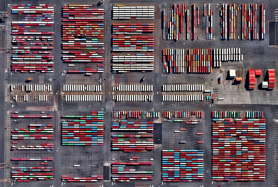 Satelitné snímky akoumenie aspráva osúčasnom svete