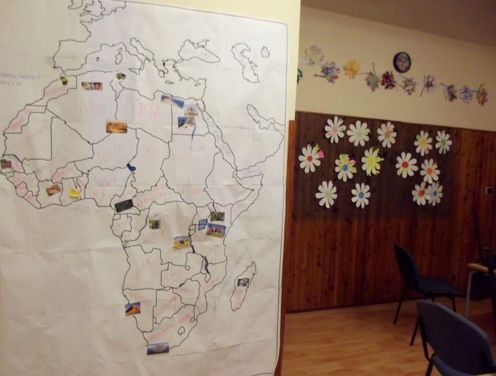 ako si vyrobiť nástennú veľkú mapu