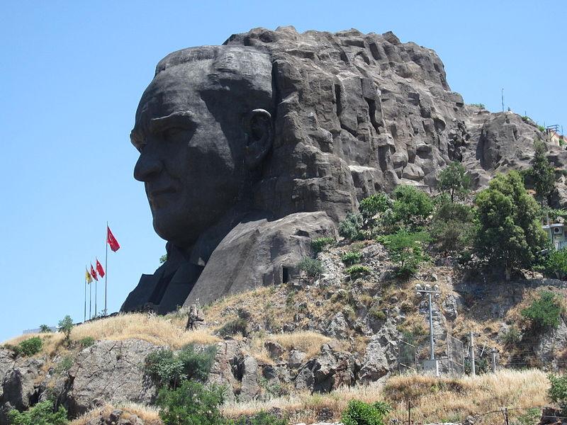 Ataturk socha
