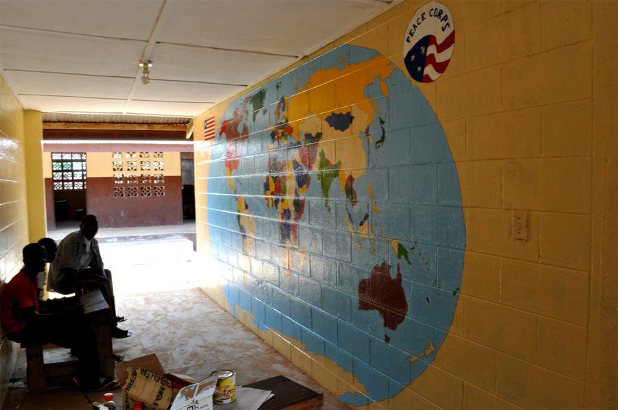 maľovaná mapa na stene