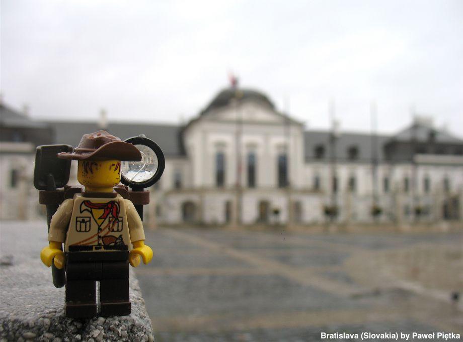 Scestovaný Lego panáčik. Kde všade už bol?