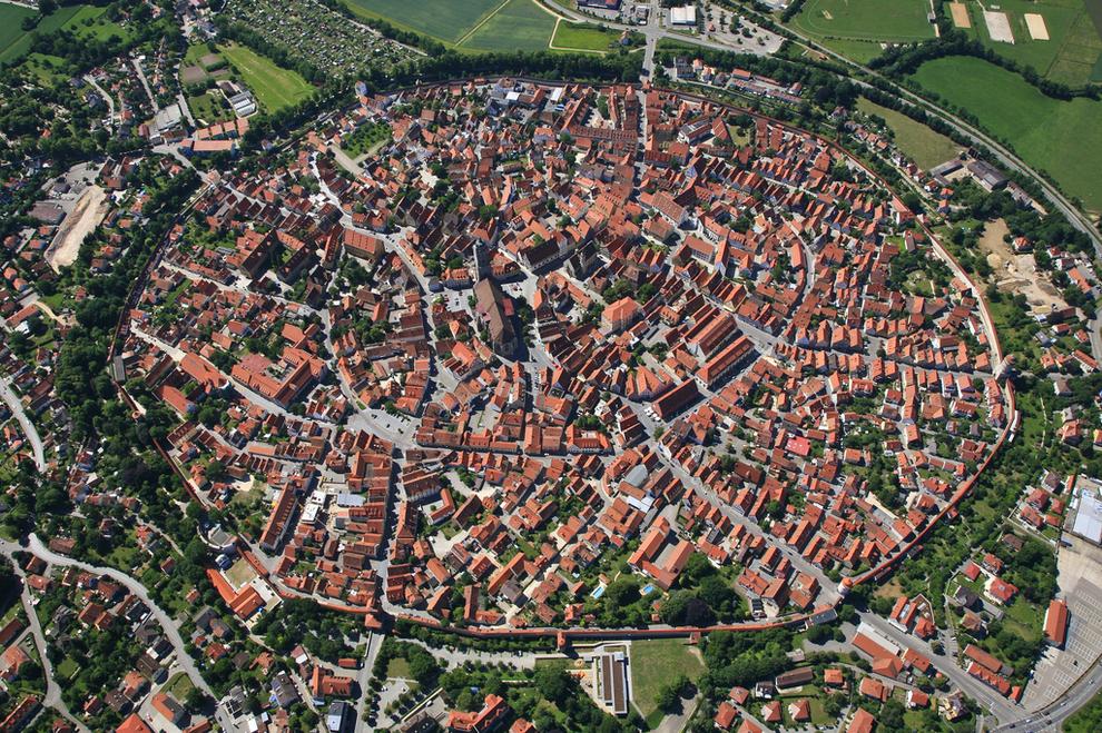 Nördlingen –mesto nadne krátera