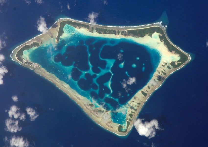 Darwinove koralové ostrovy. Akovznikajú atoly?
