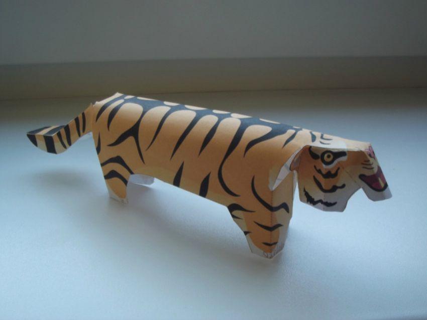 tiger papierový model