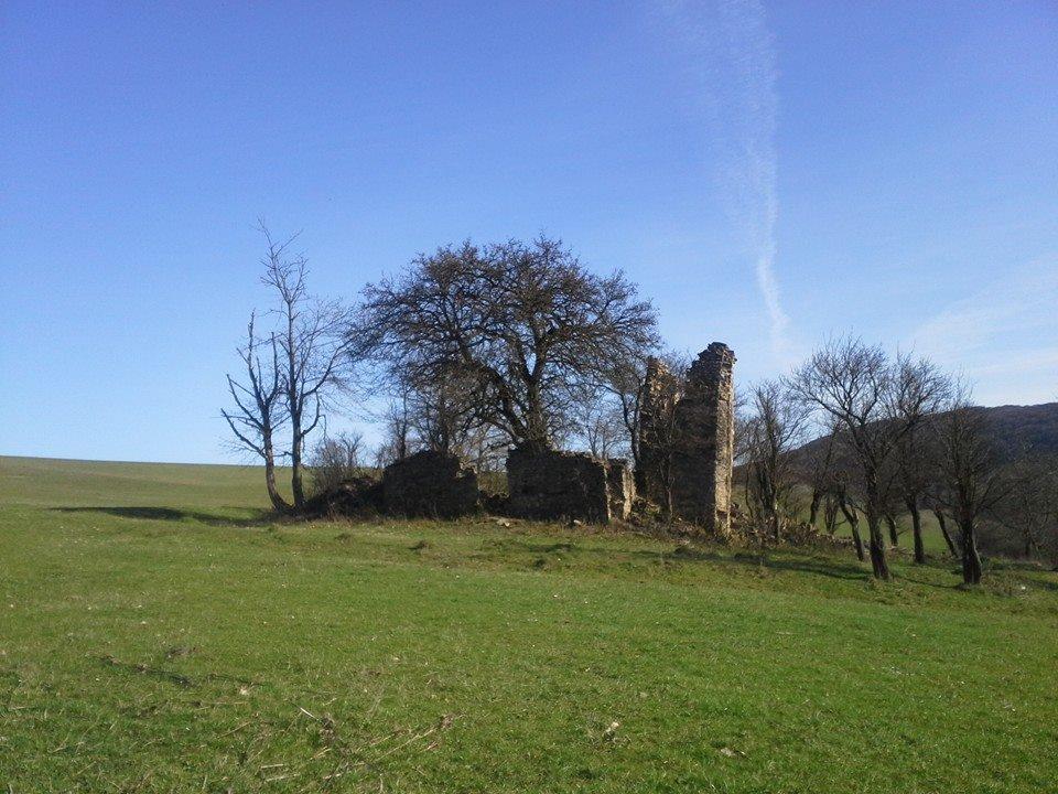 Ruiny kostola vProsačove