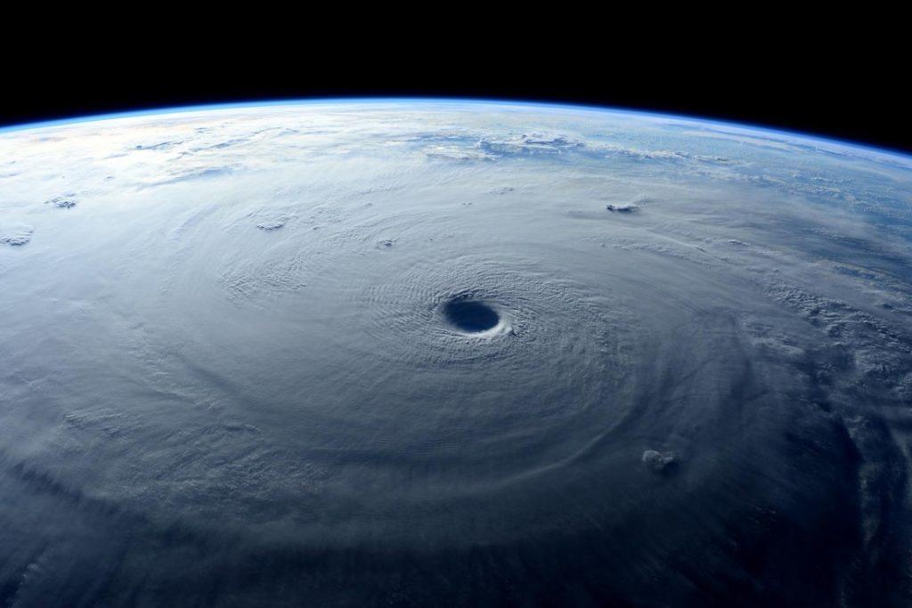 Tajfún Maysak zvesmírnej stanice ISS
