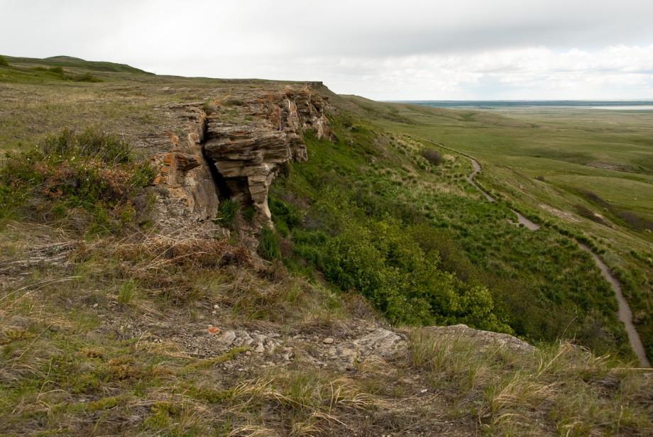 Tam, kde sa lovilo pádom. Cintorín bizónov vAlberte