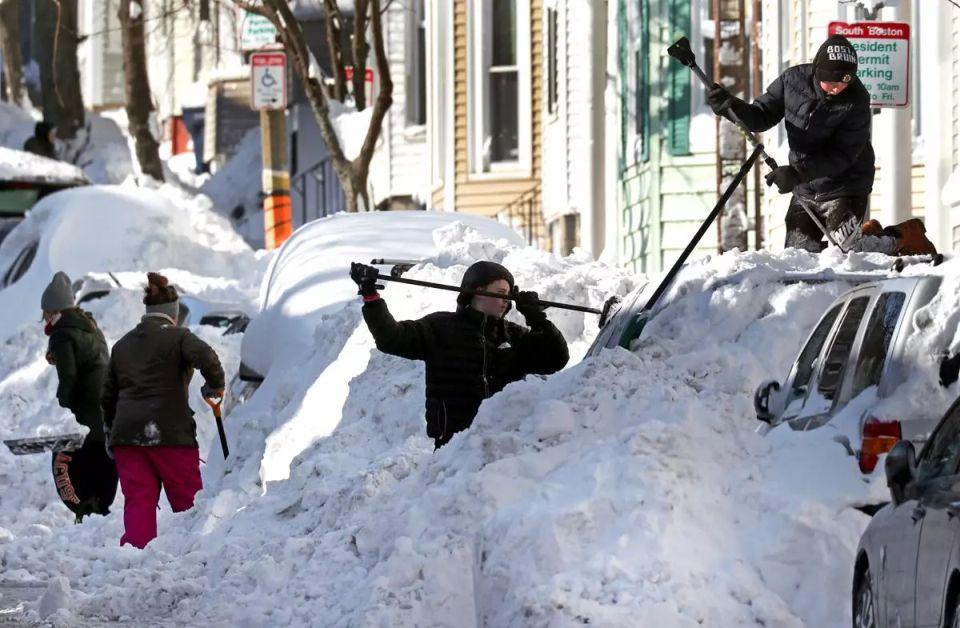 Snehová búrka paralyzovala východ Spojených štátov