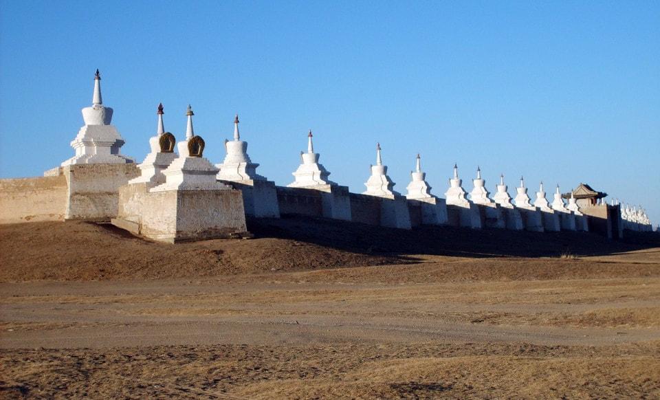 Erdenedzú –budhistický kláštor vmongolskej stepi