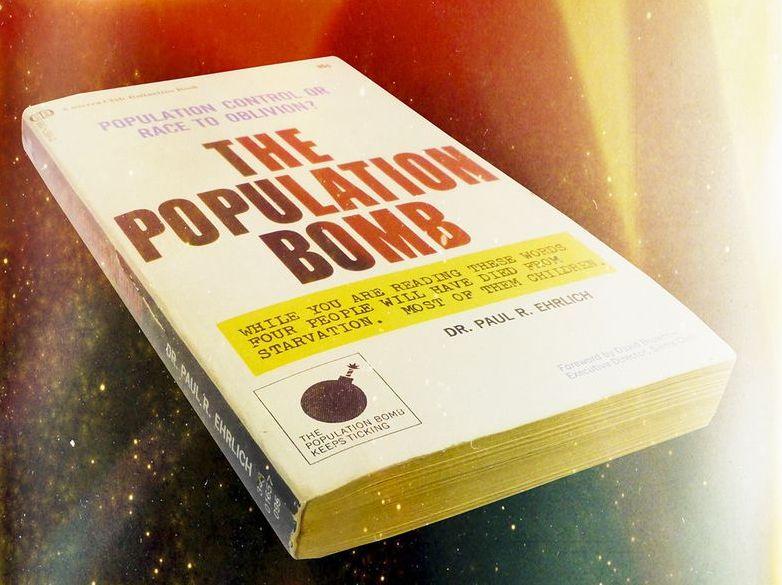 Populačná bomba, ktorá nevybuchla. Akosa (ne)naplnili katastrofické predpovede spredpol storočia