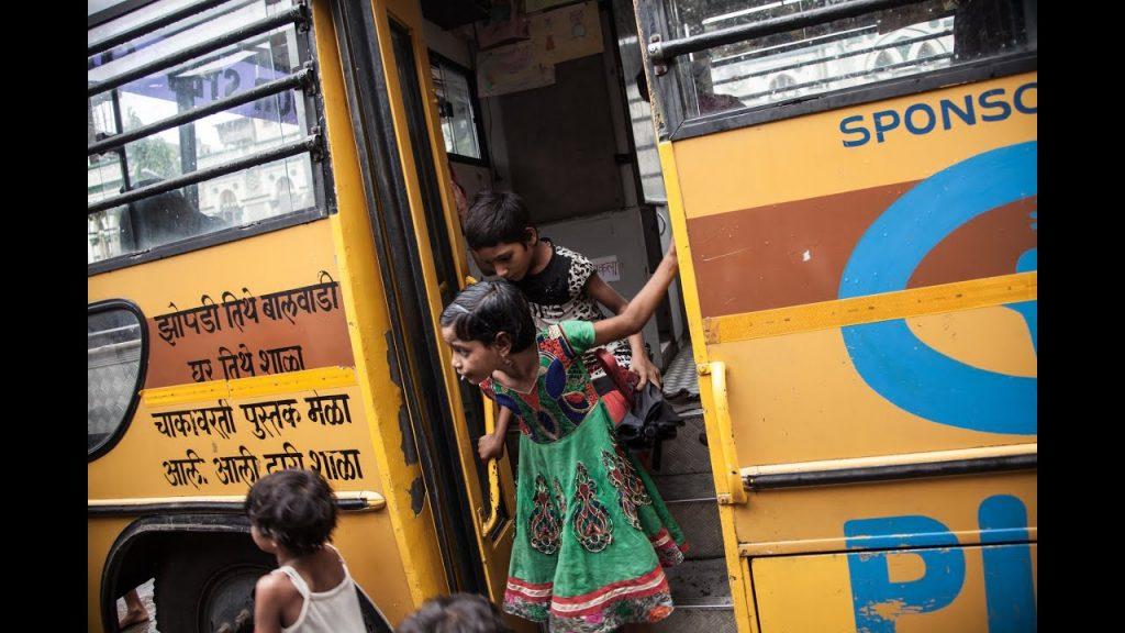Keď nemôžu ísť deti doškoly, musí prísť škola zanimi