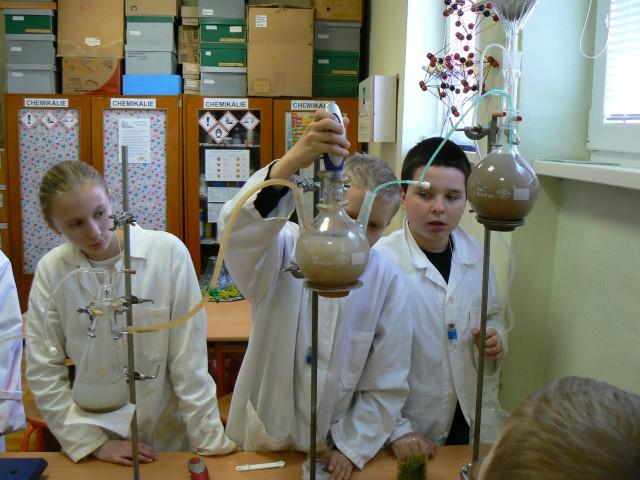 chémia škola