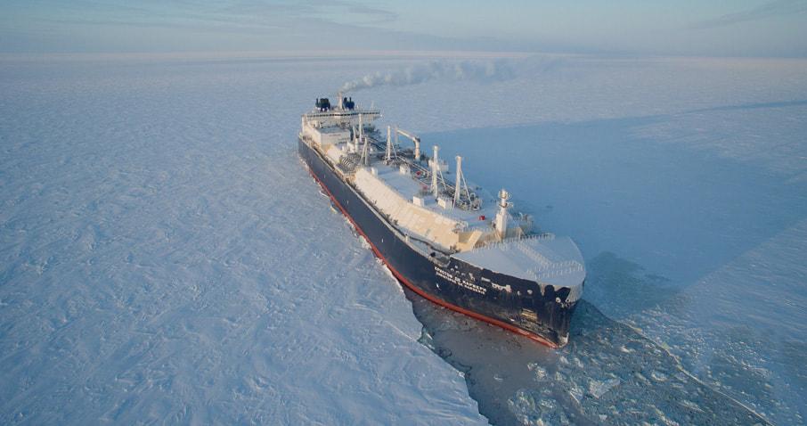 Ruský tanker zdolal severnú námornú cestu vArktíde bezpomoci ľadoborcov